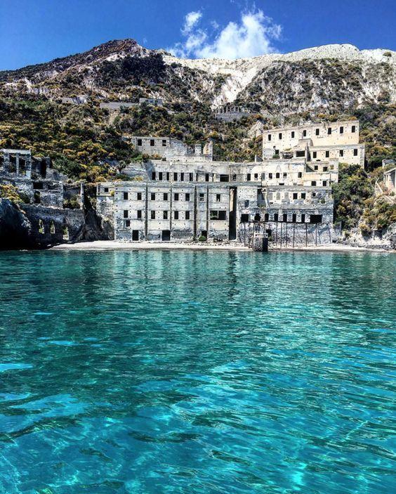 Lipari, cave di pomice Sicilia #aeolianisland #sicily