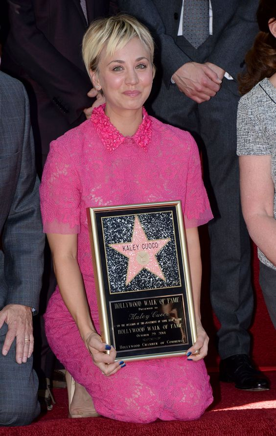 Kaley Cuoco presents the Honored On The Hollywood Walk Of Fame - http://celebs-life.com/?p=54186
