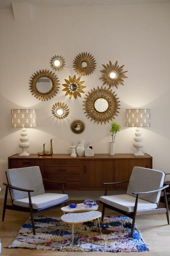 21 Idees Pour Decorer Un Petit Appartement Reperees Sur Pinterest Le So Girly Blog Deco Interieure Deco Decoration Mur Salon