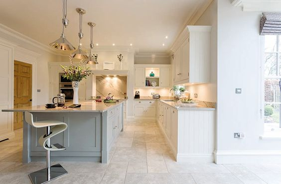 Open Plan Family Kitchen – Tom Howley