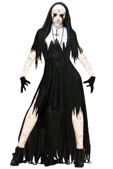 30 Halloween Costumes That Are Way Too Scary To Look At Halloween Costumes Women Scary Creepy Halloween Costumes Halloween Women