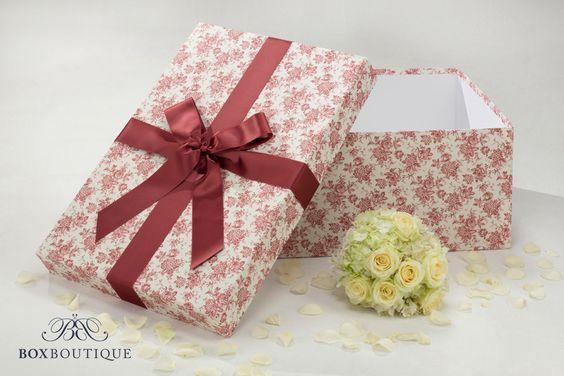 #Brautkleidbox Red Vintage Flowers von #BoxBoutique für die perfekte Aufbewahrung eures #Hochzeitskleids // #WeddingDressBox Red Vintage Flowers from Box Boutique for the perfect storage of your #WeddingGown www.boxboutique.de