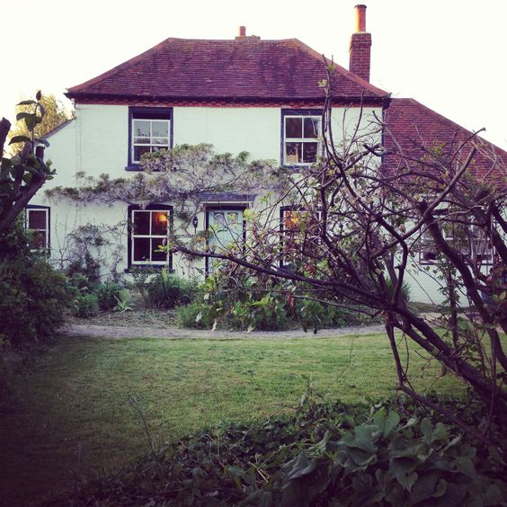 Beautiful cottage posted by Redlandspoodles.com