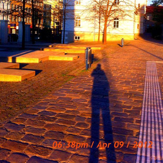 Long shadow kmail.at