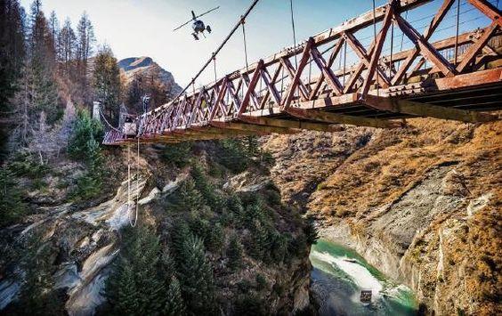 Neuseeland: Adrenalin pur- 5 Abenteuer pro Tag   (rf) Wagemutige können in Neuseeland fünf Abenteuersportarten an einem Tag erleben. Adrenalin pur! Innerhalb von 24 Stunden können Sportfreaks, die den besonderen Kick suchen, in Neuseeland ...- Link: http://www.reisefernsehen.com/reise-nws/reise-news-aus-aller-welt/neuseeland-adrenalin-pur-fuenf-abenteuer-pro-tag.php