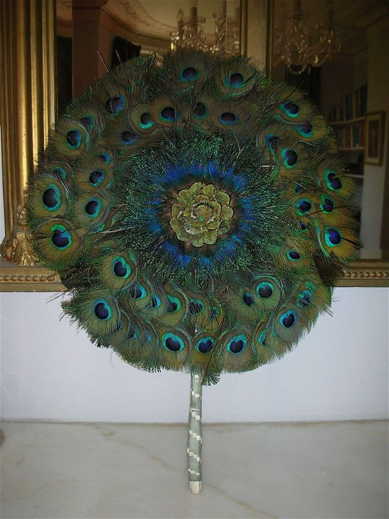 VINTAGE NATURAL PEACOCK FEATHER FAN