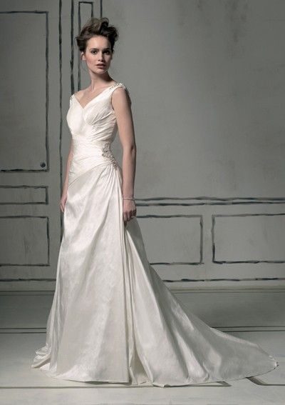 Chapel Train Satin V-neck 2012 Wedding Dress with Beads and Appliques