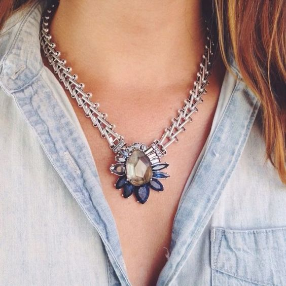 Did you know — the pendant from our Northern Mist Convertible Necklace is removable! Press play to see it in action! #candiconvertibles #ANordicTale #chloeandisabel