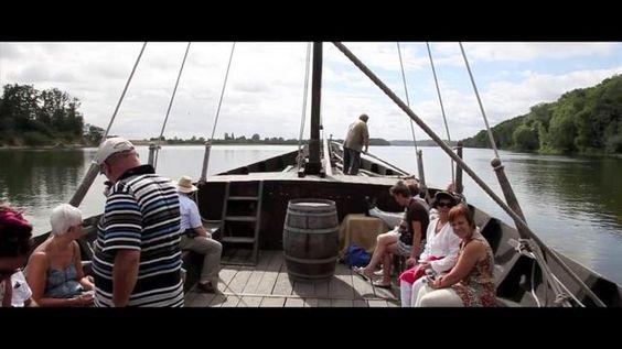 Au fil de l'eau. Venez découvrir la Loire près de Gennes (France) à bord d'une gabare (réplique du 18ème siècle) #loire #anjou #video