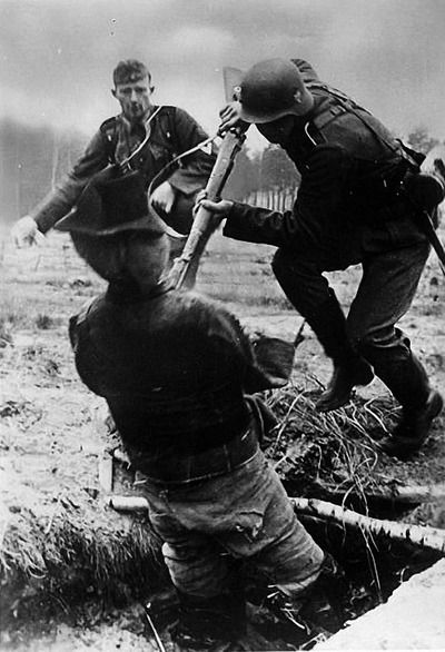 Bayonet training in the Wehrmacht, 1942. Bundesarchiv