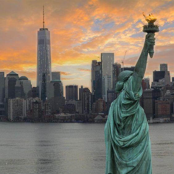 Liberty by @2ndfloorguy #newyorkcityfeelings #nyc #newyork