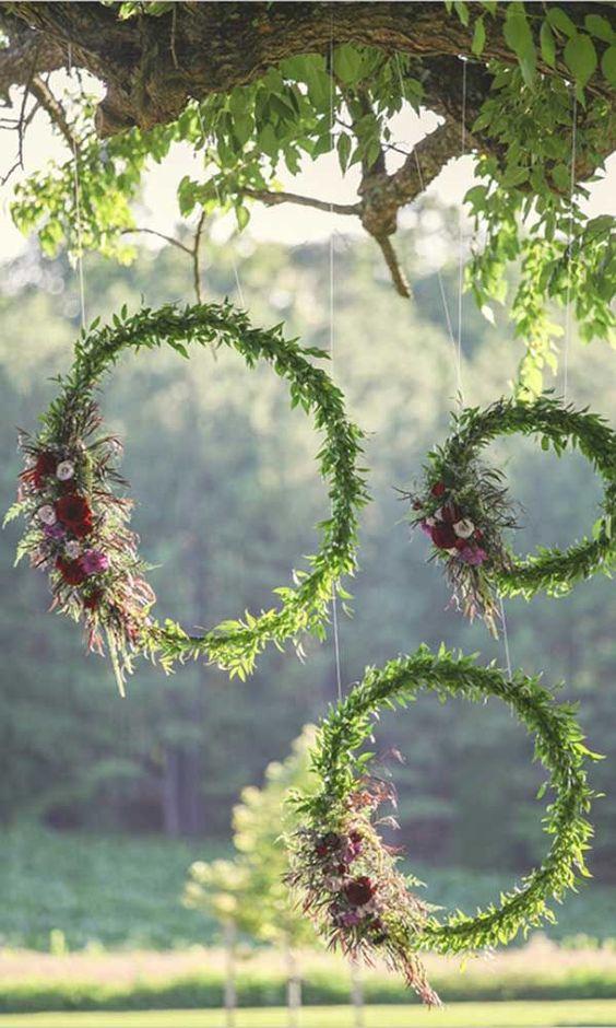 Simply Chic Wedding Flower Decor Ideas ❤ See more: http://www.weddingforward.com/simply-chic-wedding-flower-decor-ideas/