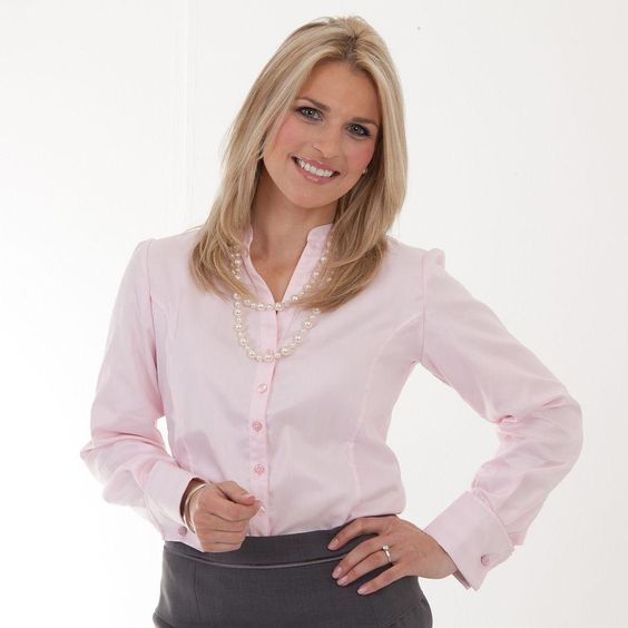 Pink blouse for work £55 http://www.pinstripeandpearls.com/women ...