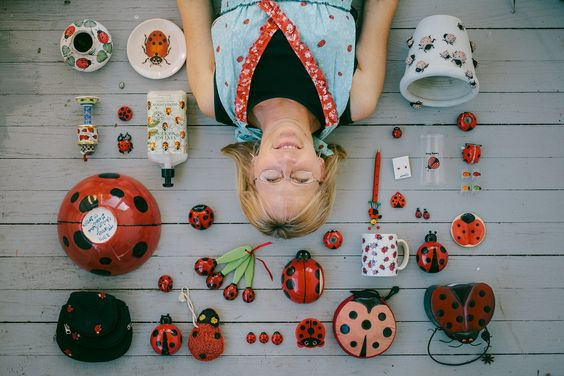Ladybug. Artista: Emily Blincoe. Pineado de http://www.thesewoods.com/2013/05/word-to-your-mothers-day.html