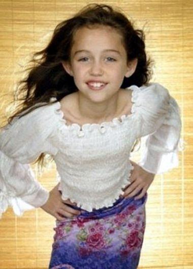 Miley Cyrus Photoshoot - Photoshoot of Miley Cyrus