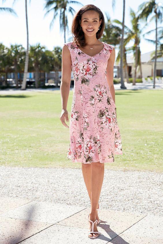 Rosa Kleid Kombinieren Welche Schuhe Passen Zu Rosa Kleid Colection201 De Rosa Kleid Kleid Spitze Fit And Flare
