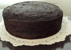 Colombian black cake (ponqué negro) recipe.  Had a slice of this type of cake today and it was magnificent (probably due to the wine and rum).  Will attempt to make it myself!