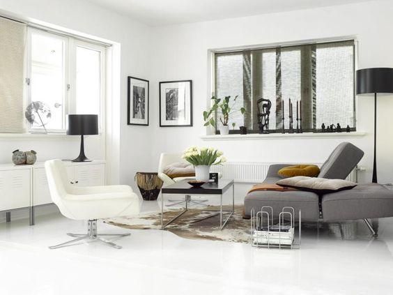 Forfriskende stue: loungestol fra b og b italia, lampe fra flos ...