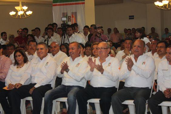 Acompañando a mi amigo Humberto Oliva Barreda en la toma de protesta que lo acredita como candidato a la Presidencia Municipal de Ciudad Madero; ¡Felicidades! #Madero