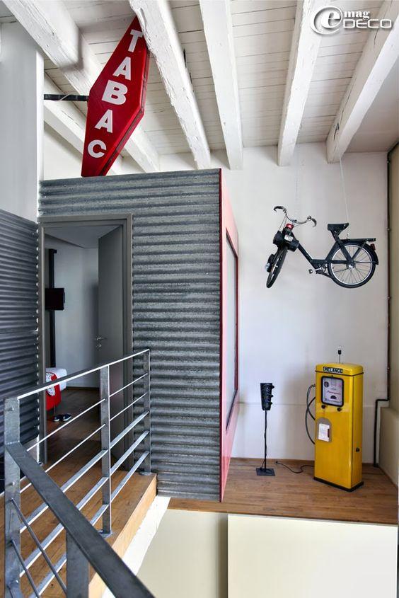 D cor urbain d 39 un loft louer marseille solex ancien for Decoration maison urbain