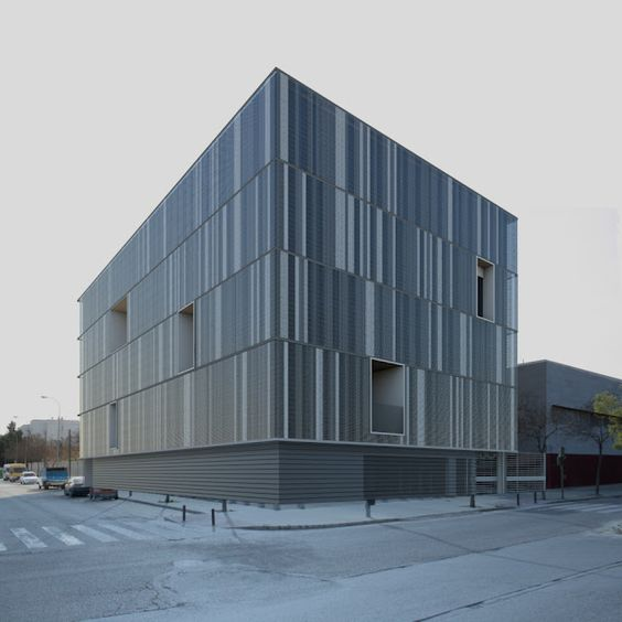 HIC*: Donaire Arquitectos   Cristina Rubiño   Centro Social en la Avenida de la Paz, Sevilla