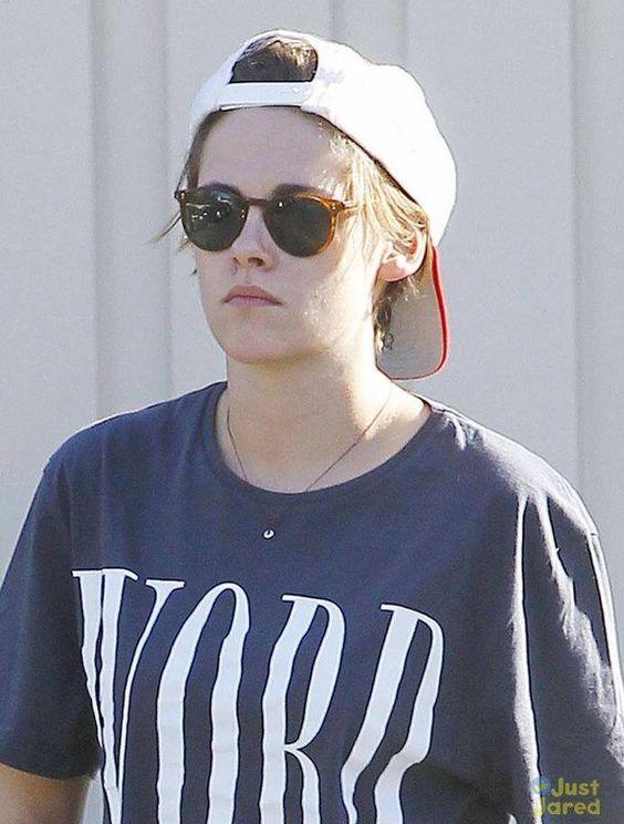 Kristen out in LA 10/29/14..