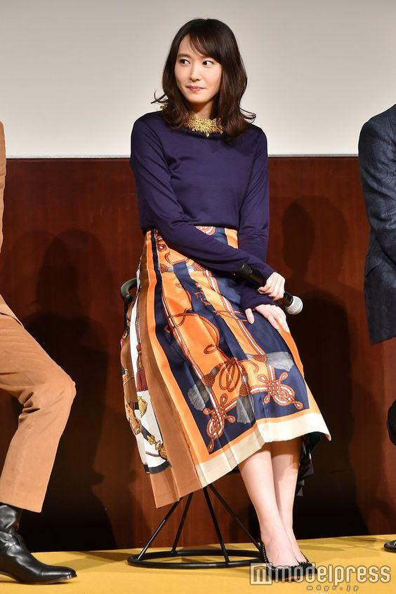 上品スカートの新垣結衣