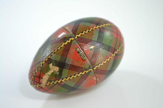 Antique SCOTTISH TARTANWARE * McDUFF TARTAN * VICTORIAN SEWING EGG, THIMBLE CASE