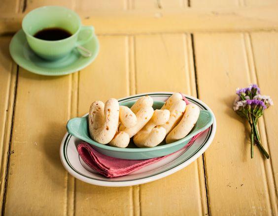 Chipa da Dona Arlete | #ReceitaPanelinha: A descrição mais comum de chipa é esta: o pão de queijo paraguaio. No café da manhã, quentinha, saída do forno, é uma delícia. Servir para a visita que chegou de última hora à tarde, é imbatível. E ainda por cima congela superbem.