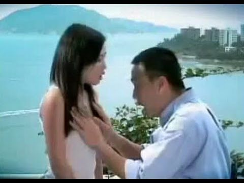 Clip quảng cáo sờ ngực em rất thú vị :))