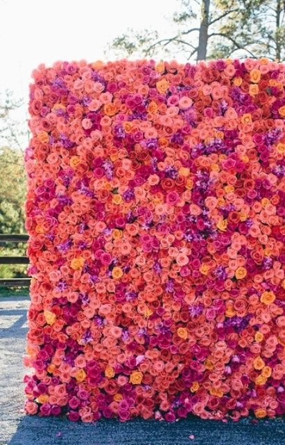 The Hottest 2015 Wedding Trend: 22 Flower Wall Backdrops: