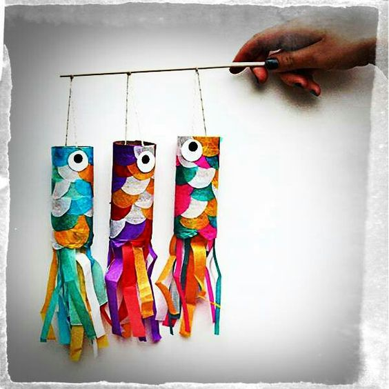 Paper roll crafts cardboard paper and toilet paper roll - Manualidades con papel de colores ...