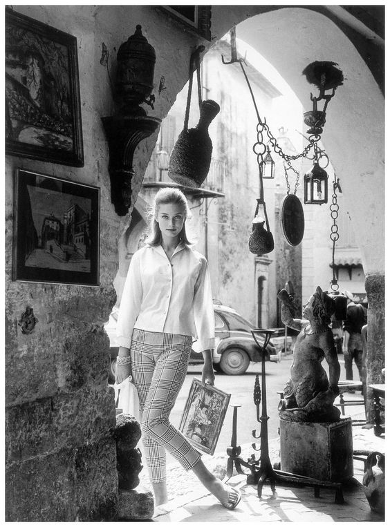 Tania Mallet  in the south of France, Vogue, July 1960 . photo by Eugene Vernier