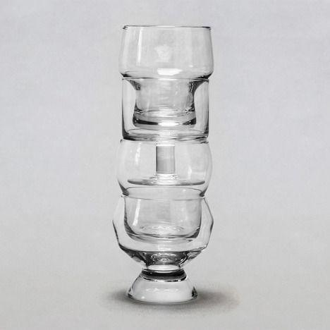 la_famiglia_stacked_glasses_ding3000_2b.jpg
