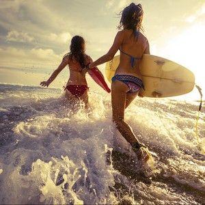 Du stellst erst jetzt fest, dass die Badesaison vor der Tür steht? Wir haben einige Tipps, die Dich schnell an den Traum vom Beachbody heranbringen. http://www.erdbeerlounge.de/diaet/abnehmtipps/mit-letzten-tipps-und-tricks-zum-beachbody/