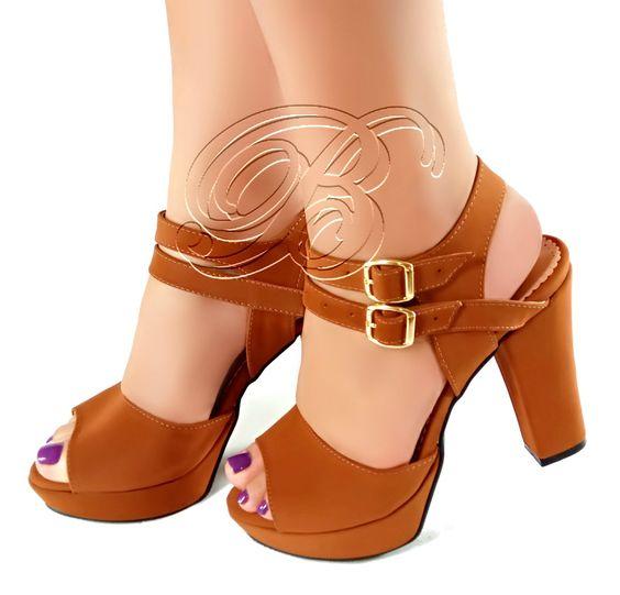 Linda sandália marca Bellatotti toda marrom com duas tiras
