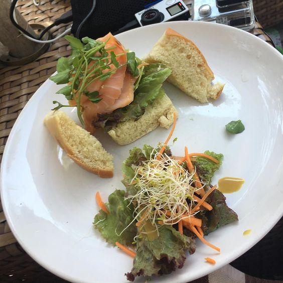 A pranzo sulla spiaggia... Focaccia salmone e avocado... Gnammy!  #cambogiaviaggi #travelways #nonsolocambogia #inlovewithbali #gilitrawangan #pearloftrawangan #particonnoi new pics on Instagram