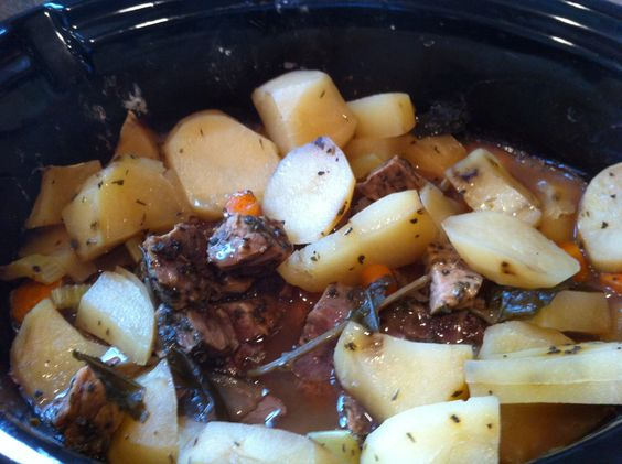 Low FODMAP Beef Stew   Simple ingredients. Very easy. I'll probably omit the celery, however. Perhaps add a rutabaga.