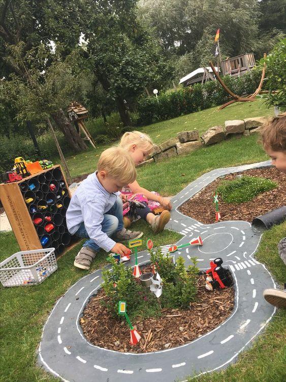 autobahn, car race, kids outdoor fun...  #DiyToys  autobahn, car race, kids outdoor fun…