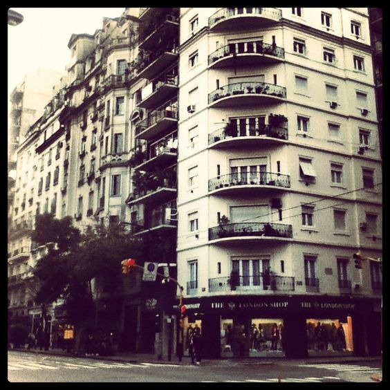 Avenida Santa Fé