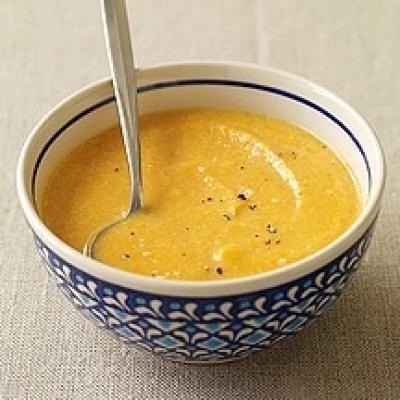 """750g vous propose la recette """"Soupe de patates douces, miel, citron vert et gingembre"""" notée 4/5 par 2 votants."""