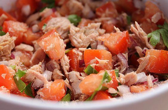 Salada de Batatas com Atum e Molho de Alcaparras