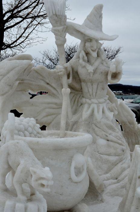 witch snow sculpture #snowSculpture #snow #winter #sculpture #horrorMovie