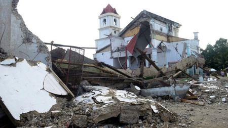 A Magnitude 4.8 Quake Hits Typhoon-Ravaged Philippines  11/12/2013