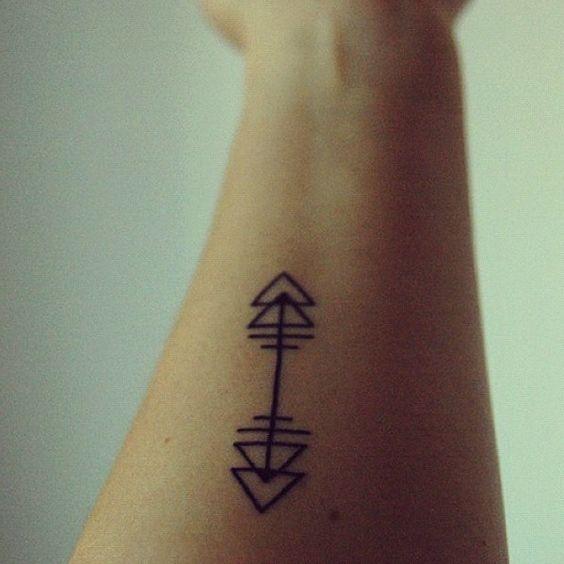 nombril tatouages de fl ches and design on pinterest. Black Bedroom Furniture Sets. Home Design Ideas