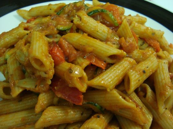 rotini with zucchini, red pepper and tomato | Super Yummy Food ...