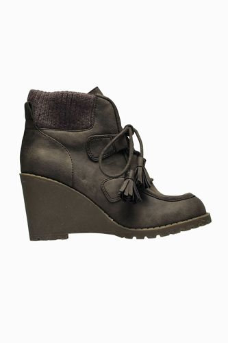 10 tough boots fit for a weekend of glamping