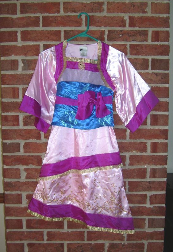 disney store princess mulan childs size halloween costume size M 7/8 beautiful