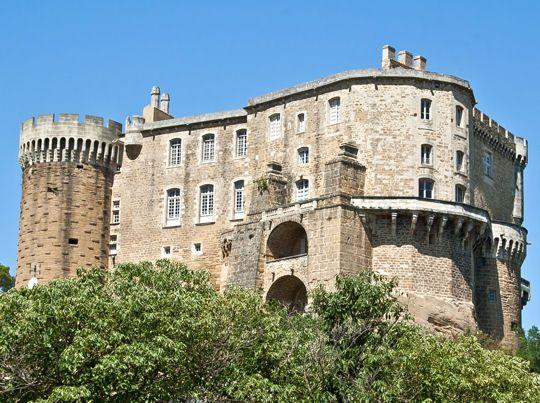 Le château de Suze-la-Rousse