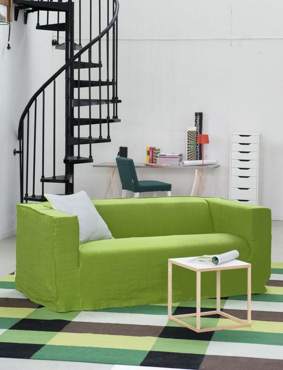 canap vert greenery salon moderne pour la couleur de lanne 2017 clemaroundthecorner - Salon Moderne 2017